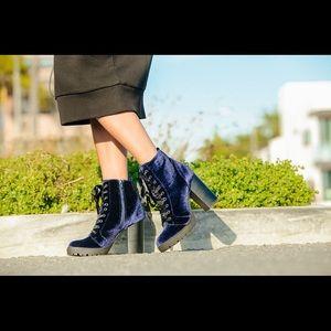 blue velvet lace up boots from @stevemadden.